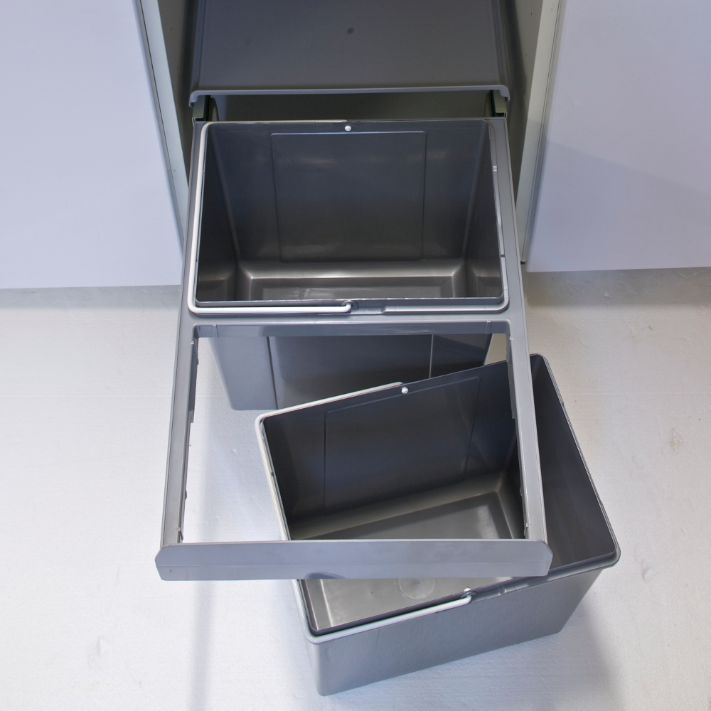 pull-out bin for recycling