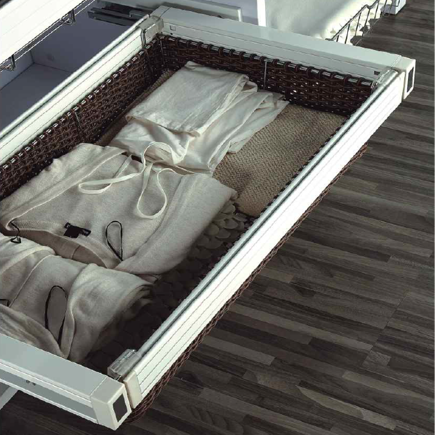 pull-out-wardrobe-basket